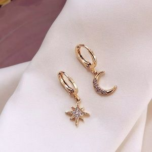 🦋5/$25 Handmade Gold Star and Moon Earrings